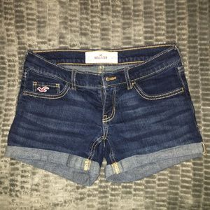 2 pairs hollister shorts GREAT CONDITION